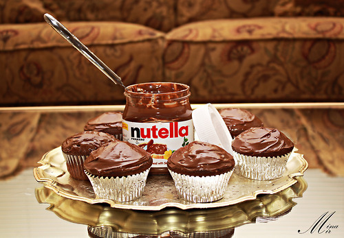 Nutella Hintergrund with a cupcake titled nutella----------------------