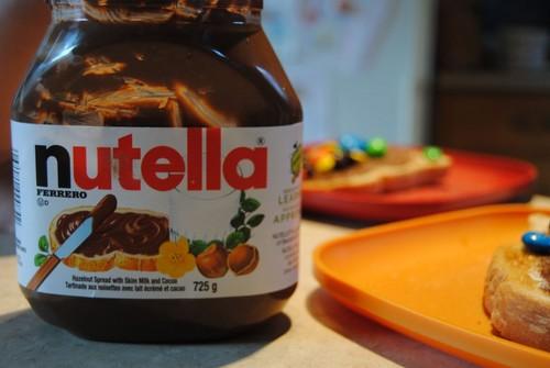 Nutella Hintergrund titled nutella-----------------