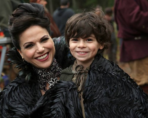 Once Upon a Time - Es war einmal... Hintergrund called Regina and Roland