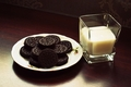 milk and oreo cookies----------