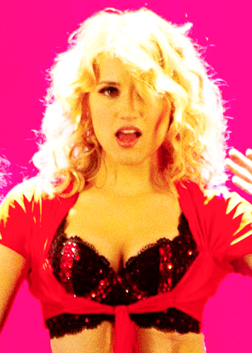 Quinn Fabray wallpaper probably containing a brassiere, attractiveness, and a lingerie titled Quinn in the 100th episode