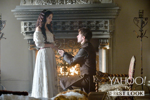 Reign [TV Show] wallpaper probably containing a drawing room, a bouquet, and a fontana called Who Does Queen Mary Wed? This foto May Tell All!