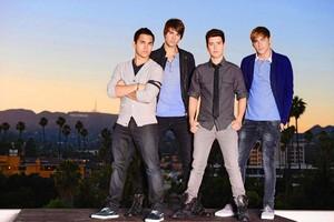 Big Time Rush :)