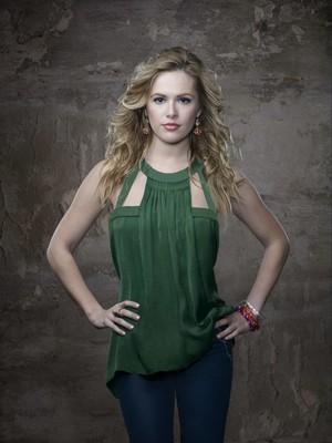 Season 1 Cast Promotional hình ảnh