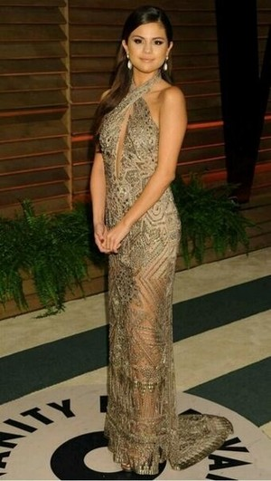 Selena Gomez at the Oscar party (March 2)