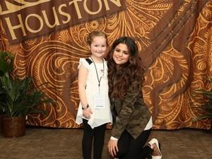 Selena meeting fan in Houston, TX (March 9)