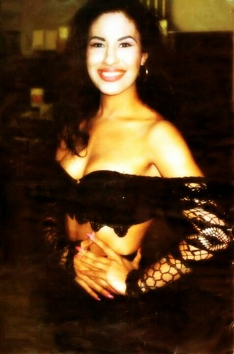 Selena Quintanilla-Pérez wallpaper entitled Selena Quintanilla-Perez ♥