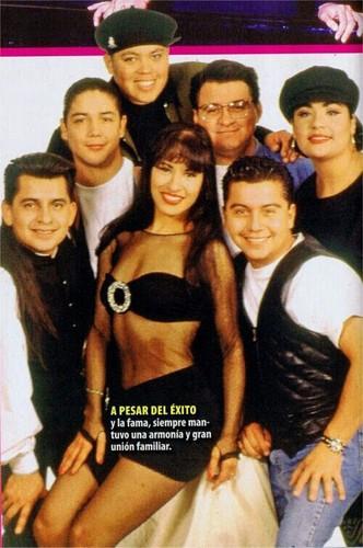 Selena Quintanilla-Pérez wallpaper titled Selena Quintanilla-Perez ♥