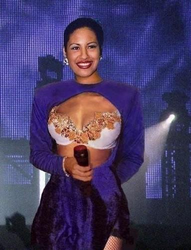 Selena Quintanilla-Pérez wallpaper called Selena Quintanilla-Perez ♥
