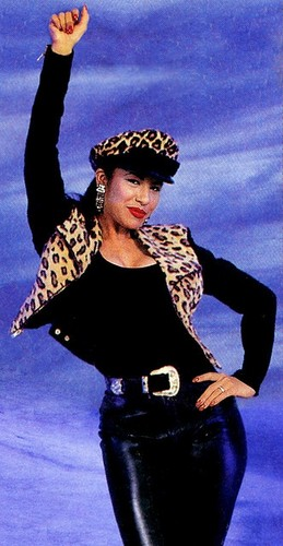 Selena Quintanilla-Pérez wallpaper containing tights, a leotard, and a hip boot titled Selena Quintanilla-Perez ♥