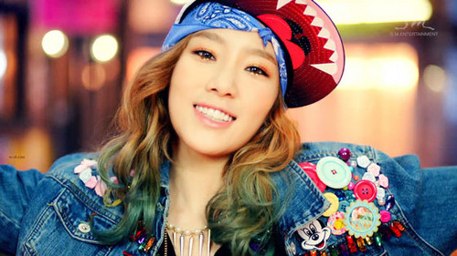 Taeyeon Girls Generation দেওয়ালপত্র possibly containing a fedora and a boater titled Taeyeon I Got A Boy