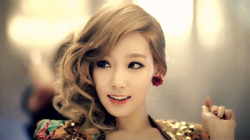 Taeyeon Girls Generation wallpaper with a portrait entitled Taeyeon Girls' Generation