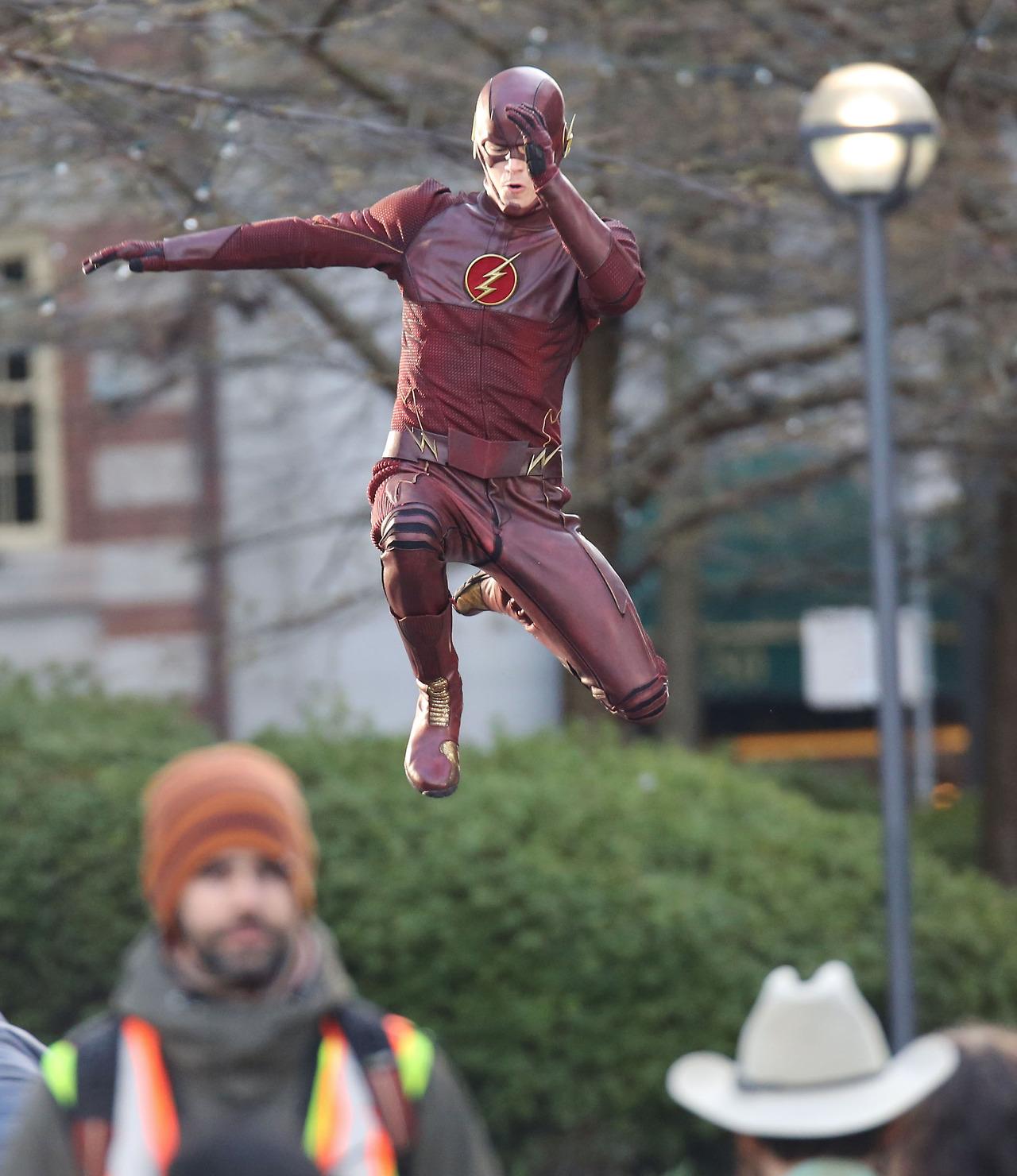 The Flash - Costume - The Flash (CW) Photo (36781373) - Fanpop