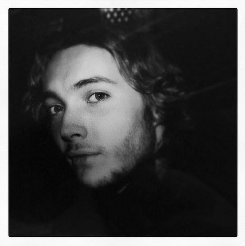 Toby Regbo wallpaper probably with a portrait titled Toby Regbo