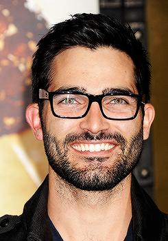 Tyler Hoechlin wallpaper possibly with a business suit and a portrait entitled Tyler Hoechlin