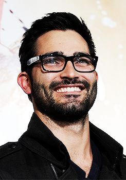 tyler hoechlin wallpaper possibly with a business suit titled Tyler Hoechlin