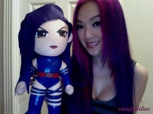 Vampy Bit Me aka Linda Le with mini-Psylocke