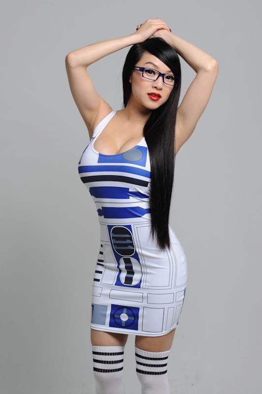 Vampy Bit Me aka Linda Le in R2-D2 Dress