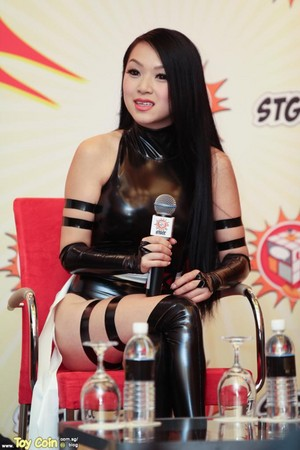 VampyBitMe giving interview
