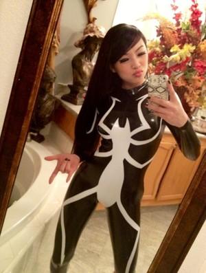 VampyBitMe con nhện, nhện Suit