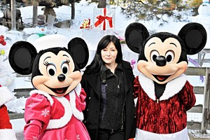 Walt Disney Photos - Minnie Mouse, Shannen Doherty & Mickey Mouse