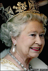 Queen Elizabeth II achtergrond entitled queen elizabeth ii jewellery