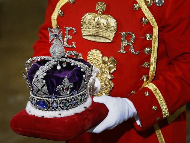Queen elizabeth ii jewellery