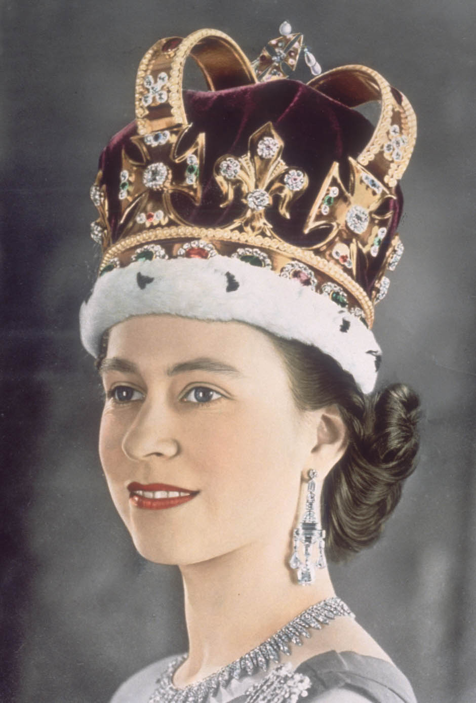 Queen Elizabeth II queen elizabeth ii jewelleryQueen Elizabeth Crown