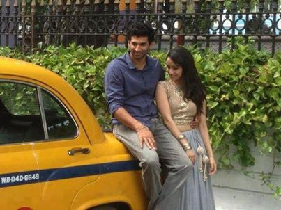 Aashiqui 2 wallpaper possibly containing a cab and a strada, via called Aditya And Shradha