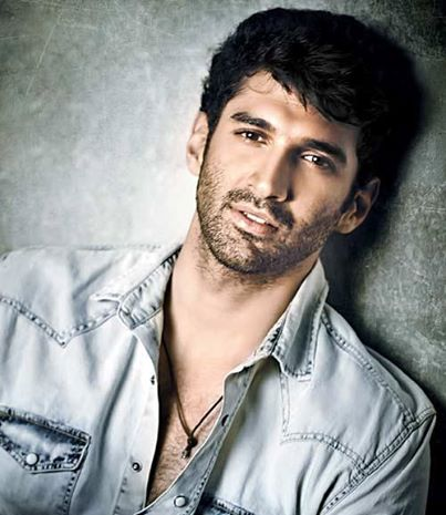 아쉬키 2 바탕화면 possibly with a portrait titled Aditya Roy Kapoor