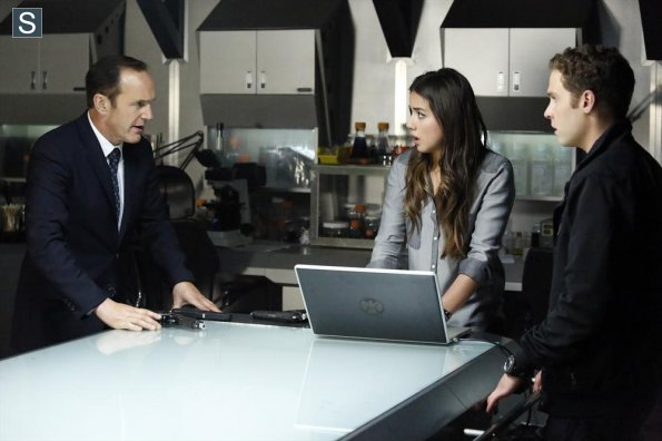 Agents of S.H.I.E.L.D - Episode 1.17 - Turn, Turn, Turn - Promo Pics