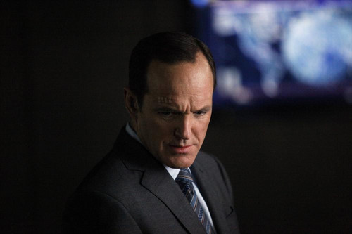 Agents of S.H.I.E.L.D. wallpaper with a business suit and a suit entitled Agents of S.H.I.E.L.D - Episode 1.18 - Providence - Promo Pics