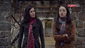 Alana in 1x04