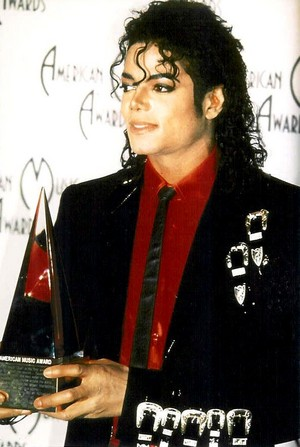 Backstage At The 1989 American Musik Awards