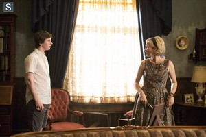 Bates Motel - Episode 2.05 - The Escape Artist - Promotional 사진