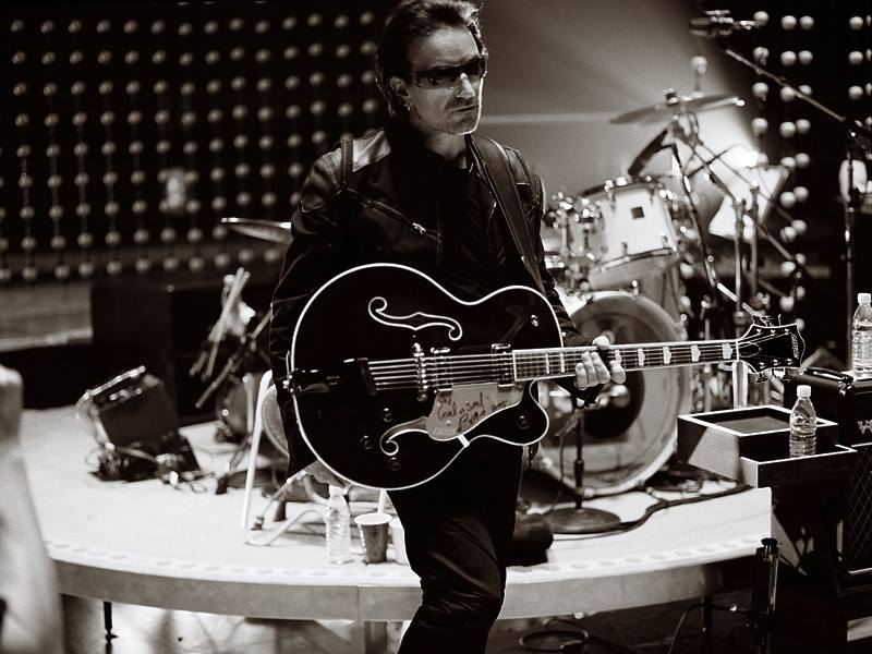 U2 Images Bono With Gretsch Country Club Guitar HD Wallpaper And Background Photos
