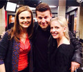 Sarah visits David on 'Bones' set ♥ - buffy-the-vampire-slayer photo