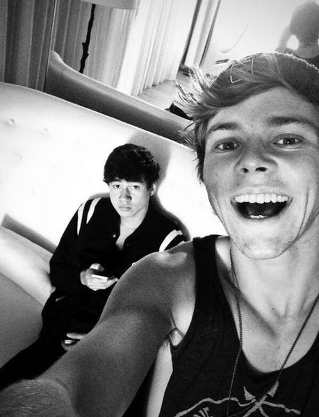 Calum and Ashton - 5 Seconds of Summer Photo (36849005 ...