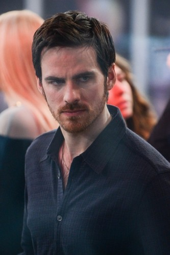 Colin O'Donoghue wallpaper with a business suit entitled Colin O'Donoghue on Good Morning America