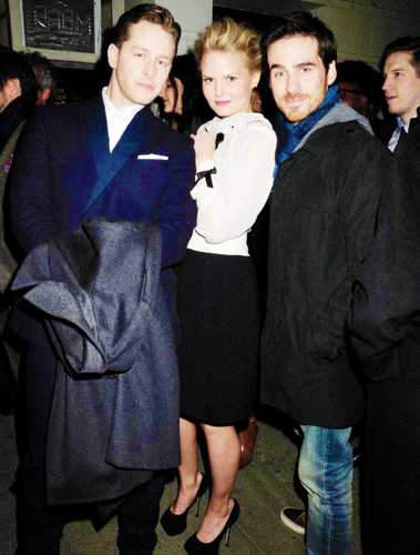 Colin O'Donoghue wallpaper entitled Colin with Jen and Josh