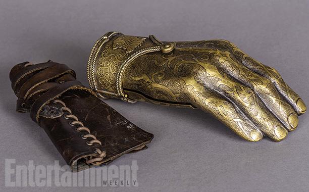 Jaime Lannister's new golden hand