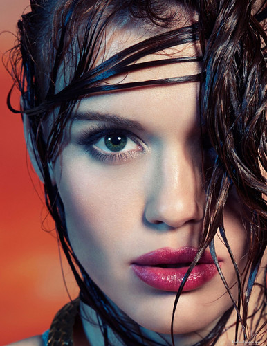 Holland Roden wallpaper called Holland for Line Magazine