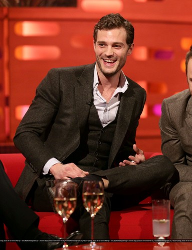 Jamie Dornan wallpaper containing a business suit, a suit, and a two piece called Jamie Dornan - The Graham Norton Show