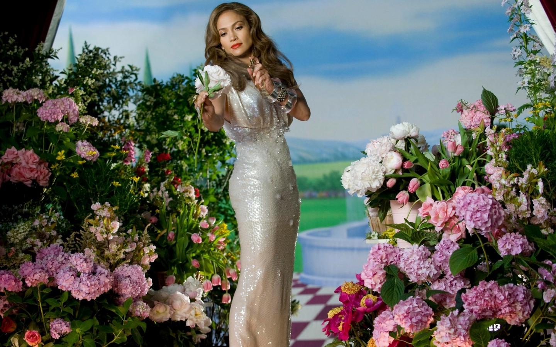 Jennifer Lopez flower garden Jennifer Lopez Wallpaper Fanpop