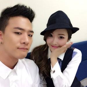 Jessica selca with Mr.Mr back up dancer @shuuuuya Instagram