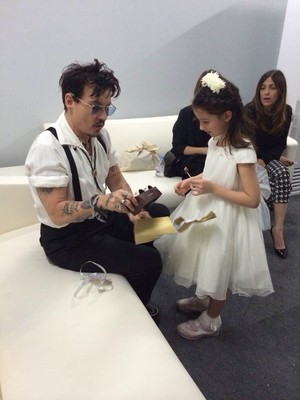 Johnny with little fangirl :)