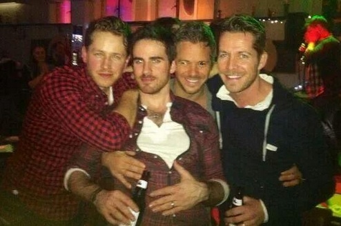 Colin O'Donoghue দেওয়ালপত্র possibly containing a তাড়িখানা called Josh Dallas, Colin, Michael Raymond-James and Sean Maguire ✨