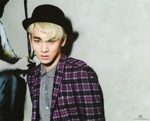 "Key ""The Celebrity Magazine"" April Issue"