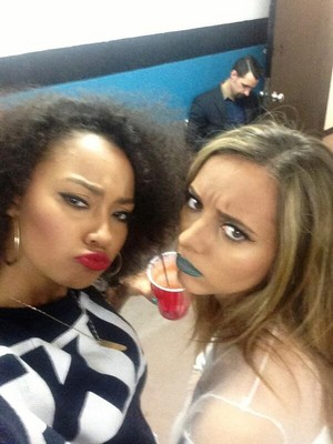 Leigh - Anne and Jade selfie ❤