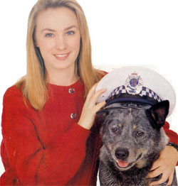 Lisa McCune with the dogbreed Blue Heeler